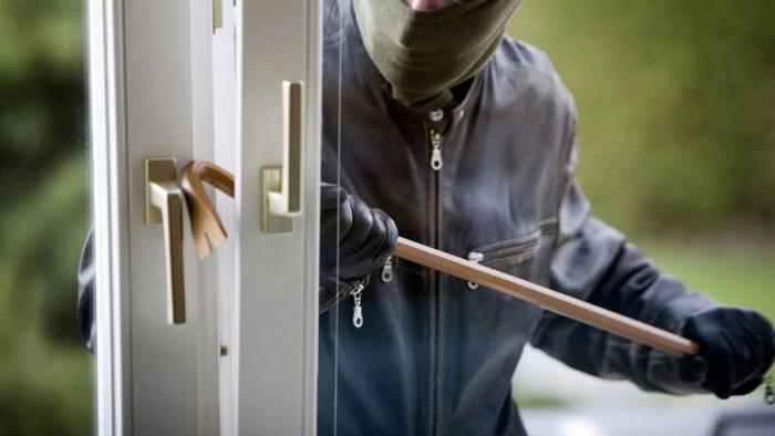 73 furti messi a segno in casa arrestati due albanesi