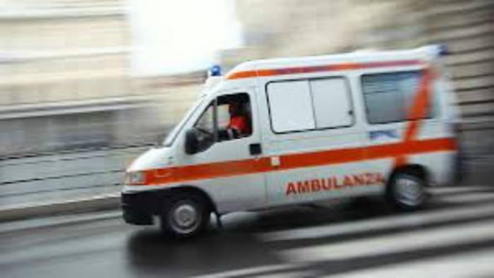 incendio in mansarda donna incinta e bimbo intossicati