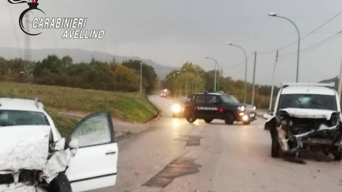 scontro tra due auto a conza tre feriti in ospedale