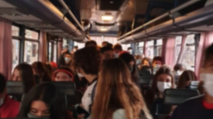 bus affollati intervenga il ministro de micheli