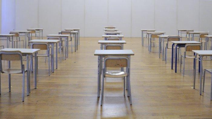 covid boom di contagi scuole chiuse fino al 30 ottobre