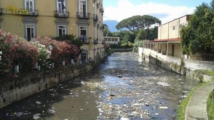 maltempo fiume sarno invaso da erbacce e canne