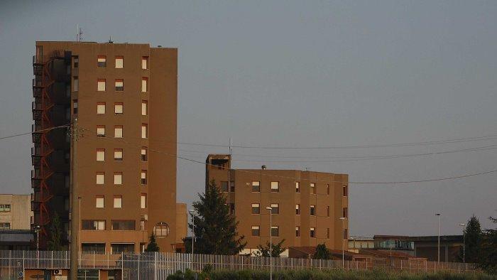 giovane detenuto napoletano si impicca in carcere