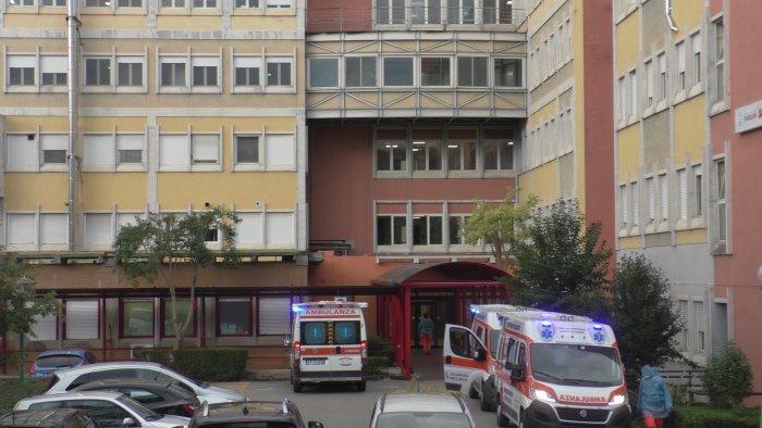 rummo a cardiologia positivi 9 pazienti 4 infermieri e medico