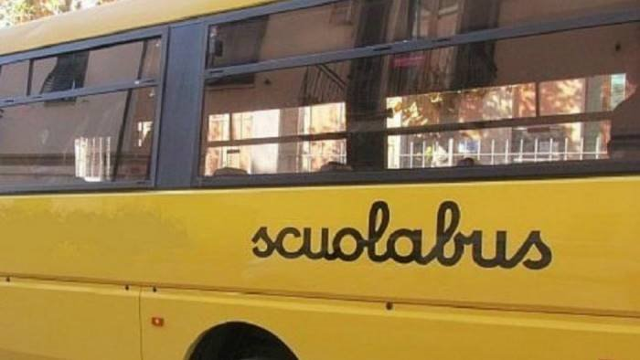 controlli sui bus 5 multe e un mezzo fermato