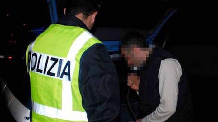 ubriaco alla guida non si ferma all alt denunciati 2 ucraini
