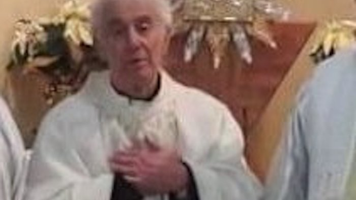 apice piange don giuseppe errico storico parroco