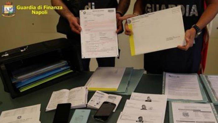 operazione antiterrorismo a napoli arrestati sette pakistani