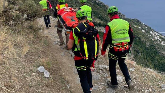 cade sul sentiero degli dei turista 29enne salvata dal soccorso alpino