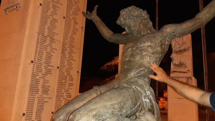 danneggiamenti da parte di ignoti al monumento ai caduti e silos calvario