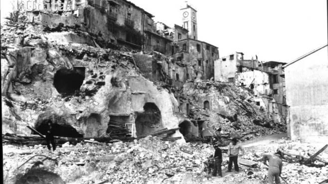 Risultati immagini per terremoto dell'Irpinia