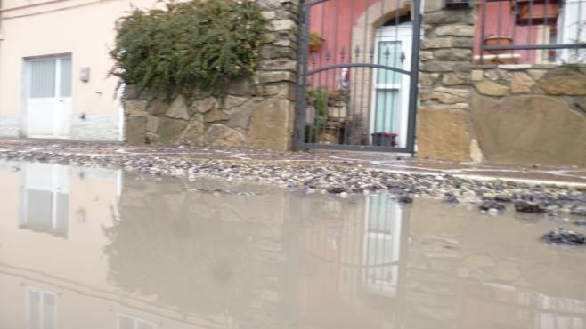 Onde d 39 acqua fin dentro casa ma il maltempo non c 39 entra - Condizionatore perde acqua dentro casa ...