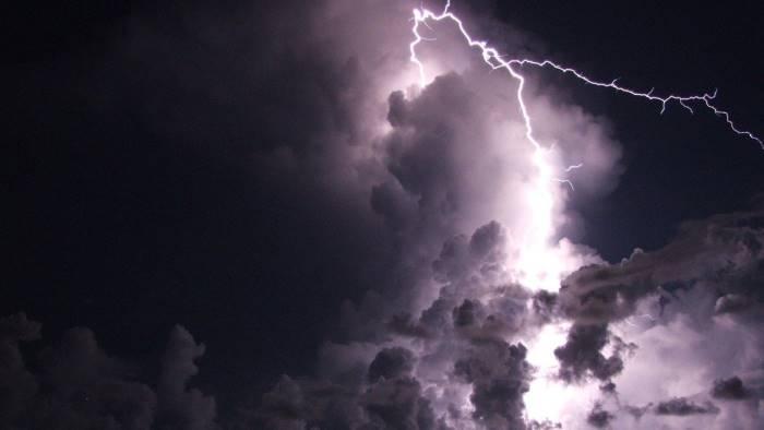 Meteo a Roma: temporali e mareggiate, allerta della Regione Lazio