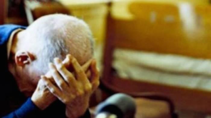 Minaccia di morte i genitori: arrestato 44enne