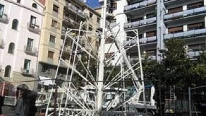 Salerno, alla Arcuri 9mila euro per accendere un albero di Natale