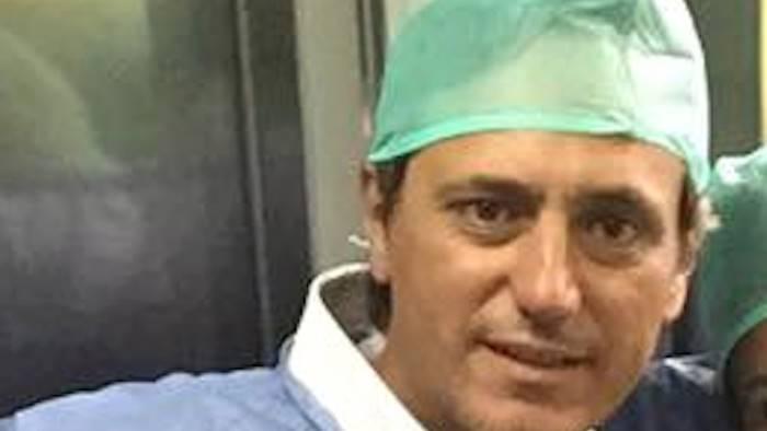 Napoli, salvati gemellini abbracciati nel grembo della mamma affetta da tumore