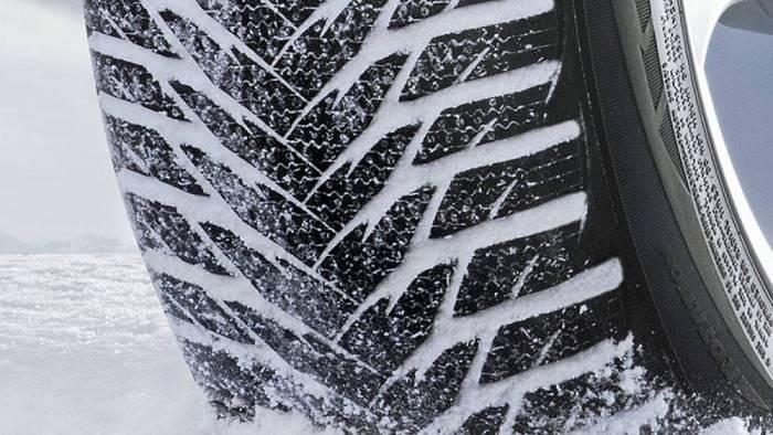 gomme da neve o catene da oggi scatta l obbligo rischio multe