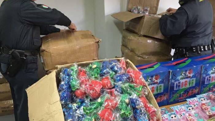 La guardia di finanza sequestra oltre 59.000 giocattoli