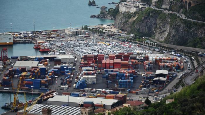 sicurezza al porto santoro subito defibrillatori
