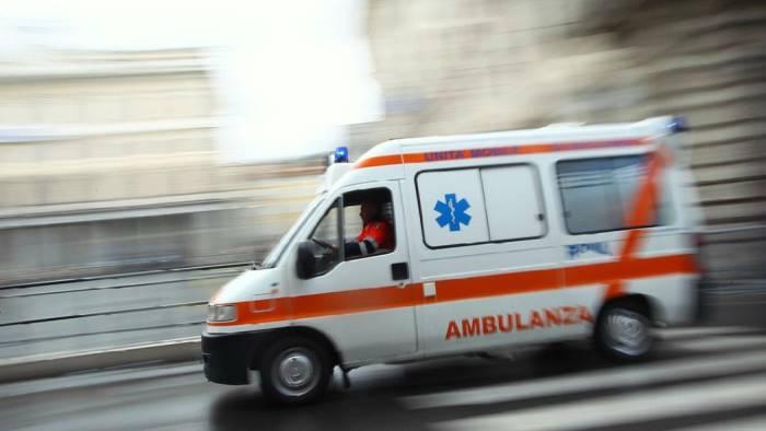 inseguito dalla polizia cade dallo scooter grave 32enne