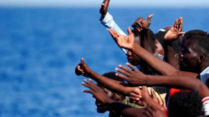 tirocinio a scuola noi aiutiamo i migranti