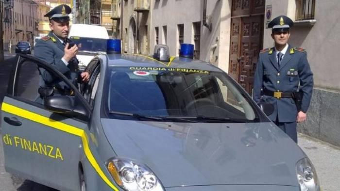evasione per 800mila euro lavanderia industriale sequestrata