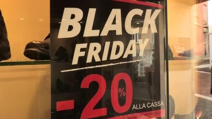 black friday anche nel sannio ma le vendite non decollano