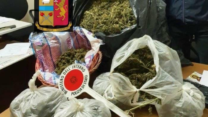 in casa con 12 chili di marijuana arrestata 38enne