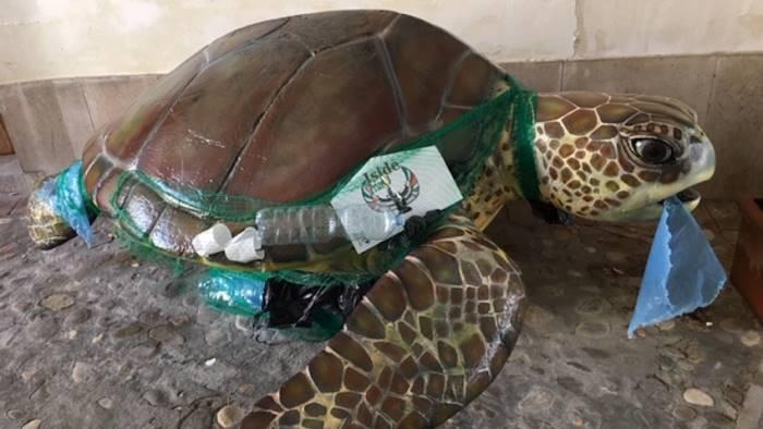 premio iside quest anno il tema e arte contro plastica
