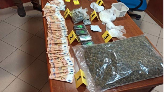 nocera inferiore scoperto supermarket della droga 3 arresti