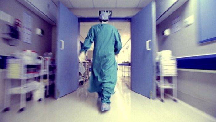 covid muore un altro medico bilancio tragico