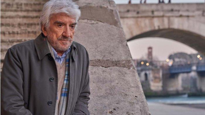 Roma omaggia Gigi Proietti con una sua foto sul Campidoglio
