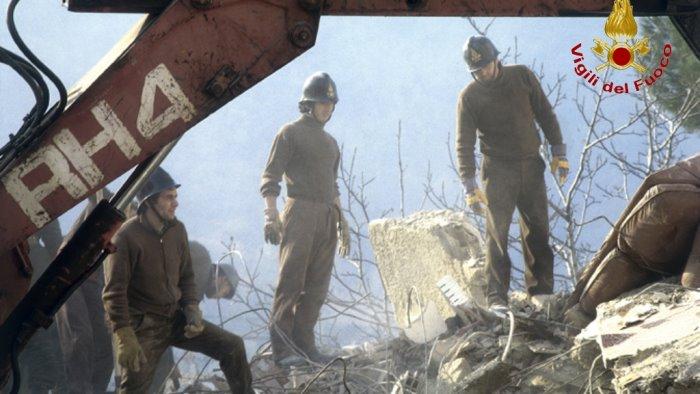 terremoto mio padre vigile eroe che vide i palazzi crollare