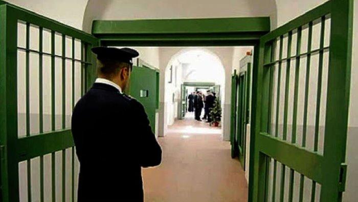 covid in carcere 158 i detenuti positivi in campania