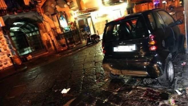 Giovane di 25 anni ucciso in un agguato a Napoli