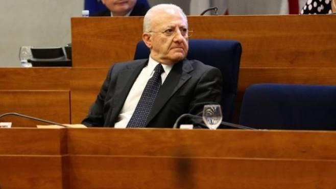 Sanità: De Luca nomina i nuovi manager per Asl e Policlinici