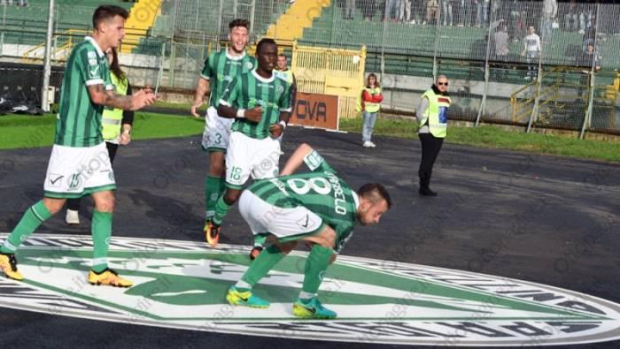 Serie B: Avellino-Benevento 1-1, gol e highlights