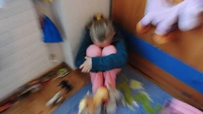 fa prostituire la figlia di 13 anni in manette un rumeno