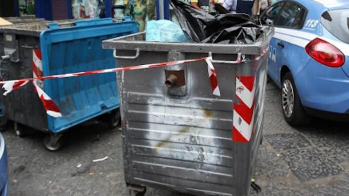 Napoli, stava per gettare neonato nella spazzatura: arrestata donna ucraina