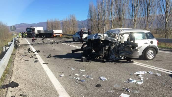 Incidente tra quattro auto in Tangenziale: un morto e quattro feriti