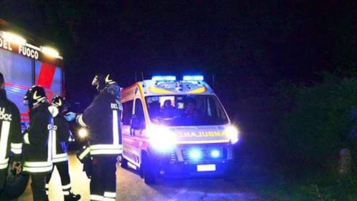 tragedia sui binari uomo travolto e ucciso da treno
