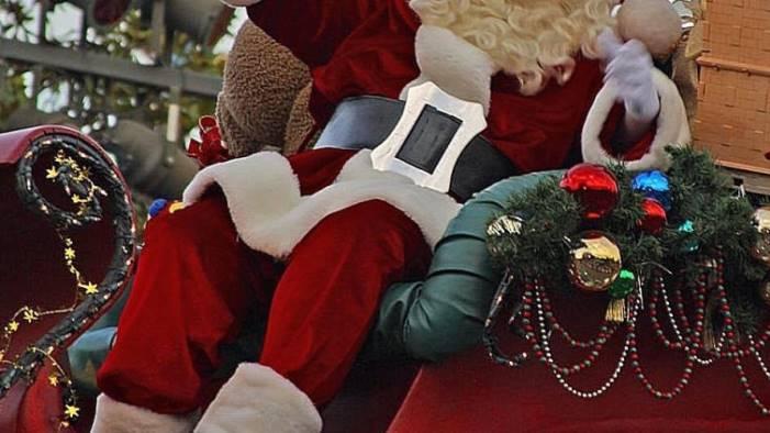 Babbo Natale in visita alla casa di riposo