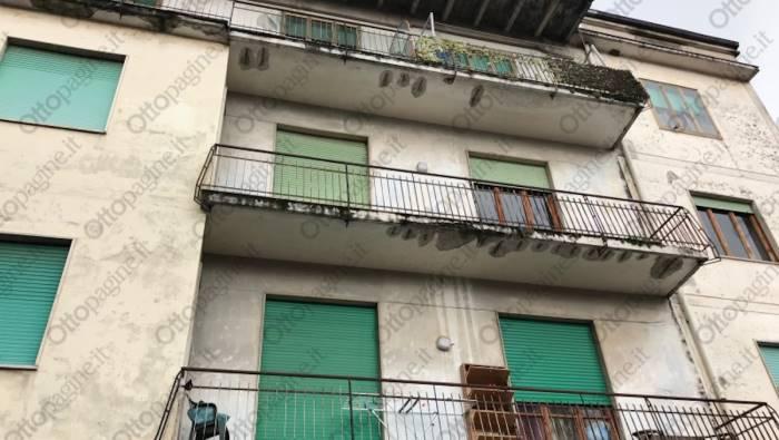 Incendio a Salerno: muoiono nel loro letto una donna ei due figli