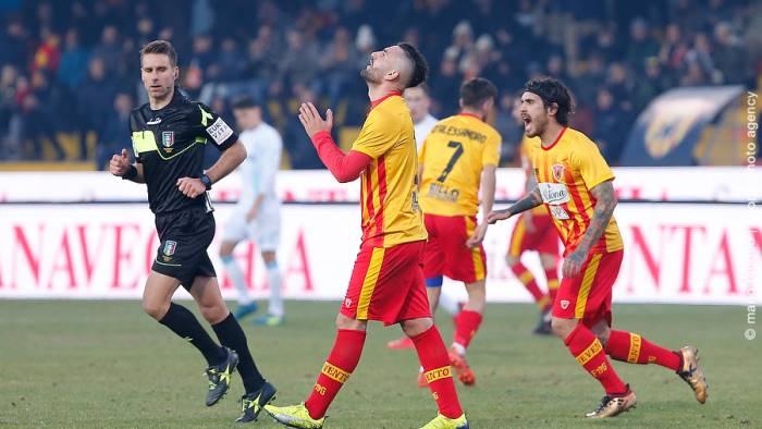 Calciomercato Benevento, De Zerbi: