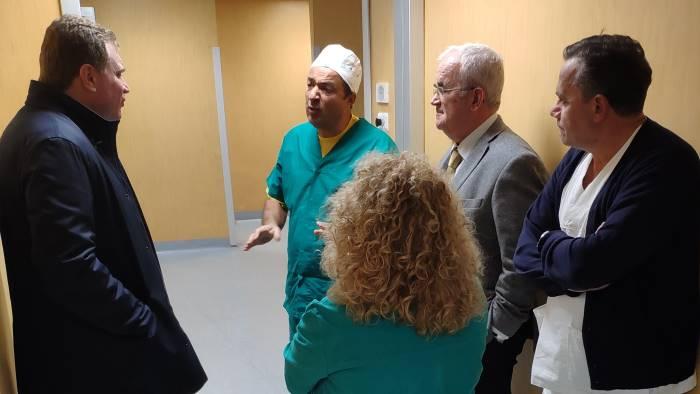 subito due chirurghi per tamponare emergenza