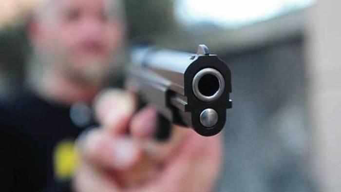 23enne ferito da un colpo di pistola e gravissimo