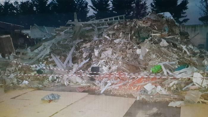 violazioni in materia ambientale sequestro e denuncia