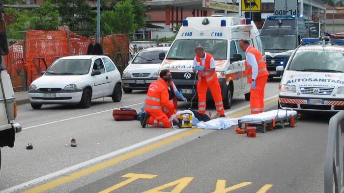 uccide uomo durante gara auto fra giovani arrestato