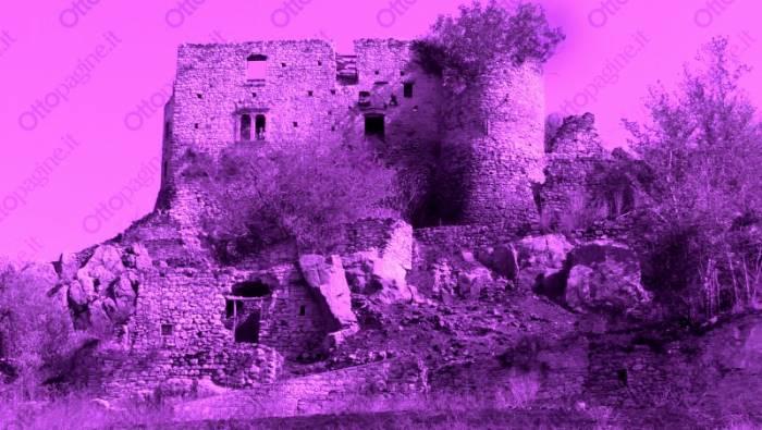 viaggio nei paesi fantasma tra i borghi abbandonati e spenti
