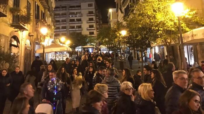 boom di turisti a salerno preso d assalto il centro cittadino
